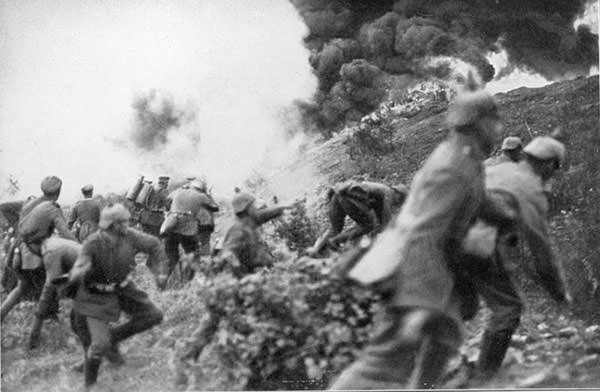 The Germans attack during the Battle of Verdun