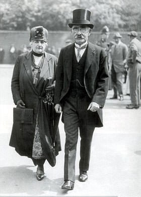 Rudyard Kipling with his wife Caroline