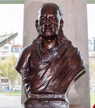 Bronze bust of Aryabhatta